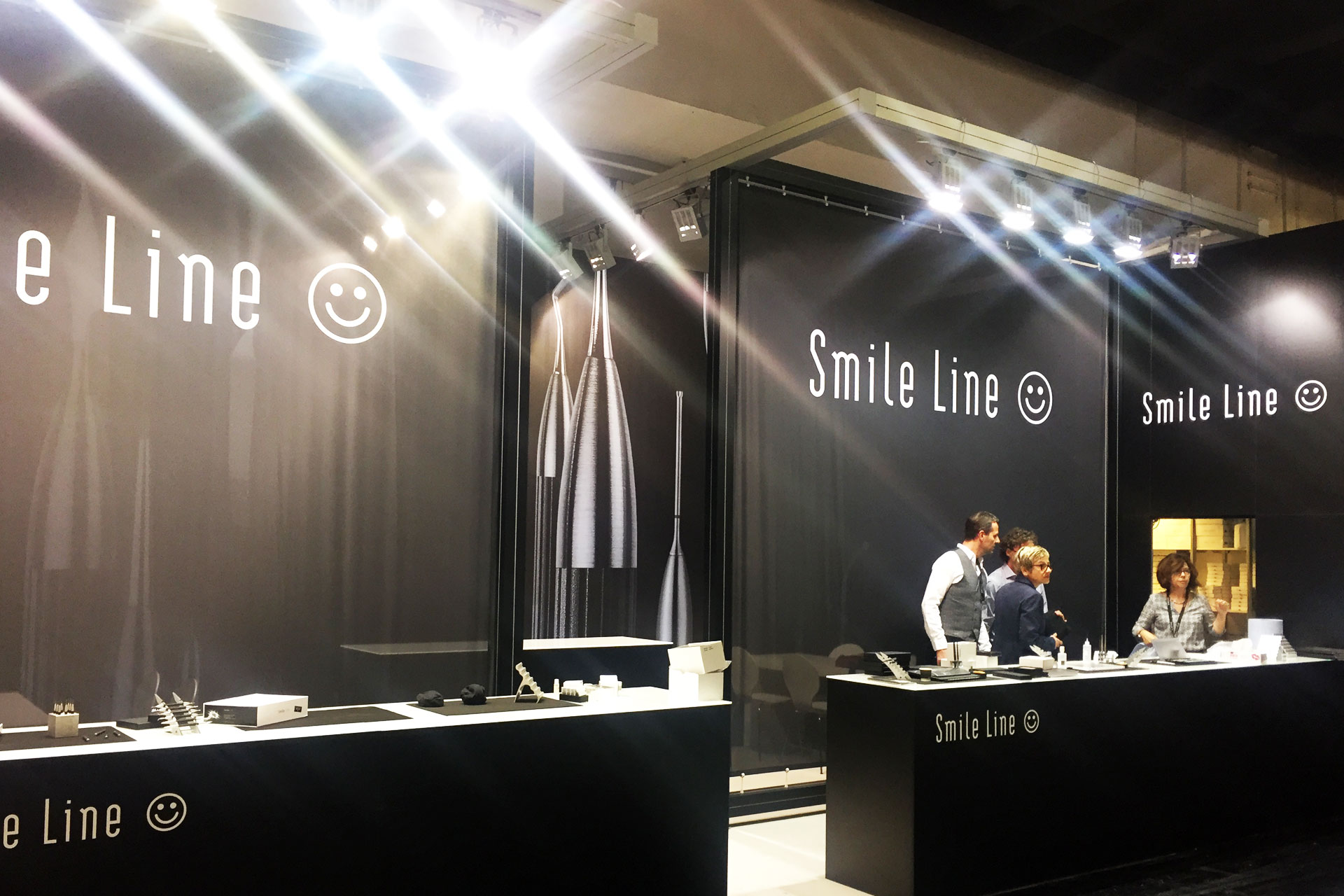 Messestand Smile Line - IDS 2017 Messebau CCKöln